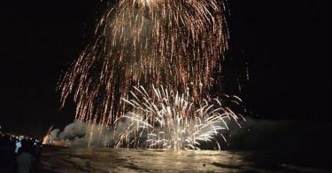 Fuochi-d-artificio-sul-mare-Pineto-20-agosto-2017